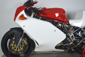 ducati_600,750,900ss_1991-1997_motoforza_fairings_on_bike2