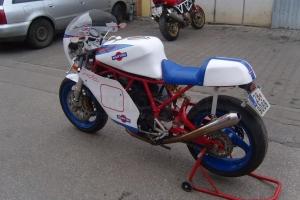 Ducati Imola, 1972 / Kapotáž GFK - ukázka na moto Ducati 900SS  frame