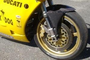 Ducati, 748,916,996,998  1995-2003  Přední blatník CARBON na moto