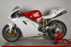 Ducati 748,916,996,998 - Sedlo racing - 4 výdechy s výřezem na světlo - na moto