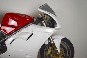 Ducati, 748,916,996,998  1995-2003  Přední blatník GFK na moto