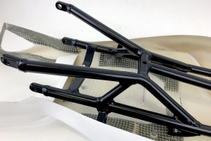 závodní podsedlový rám Forza Holders - Ducati 848-1098-1198 - ukázka se sedlem racing a výztuhou sedla