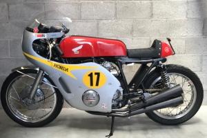 Kapotáž GRP - Honda 500 Four 1968-  Mike Hailwood replika na moto