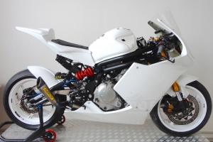 Honda CBR 1000 RR 2008-2011 Sedlo racing Ten Kate, GFK na moto Kawasaki ER6 Twin Spec 2 motoforza