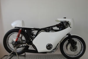 Kapotáž motoforza na Honda CB750 replika Daytona