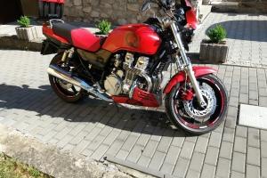 Klín pod motor na moto Honda CB 750 Sefen Fifty 1994