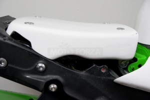 Support of seat -preview under the GFK polster