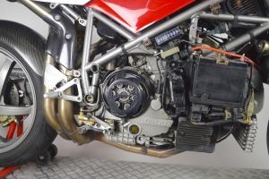 Víko spojky Ducati Corse, carbon na Ducati 998