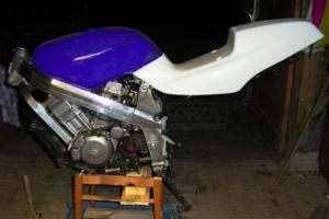 Honda NT 650 Hawk GT / Bros 1988-1993 Sedlo racing GFK