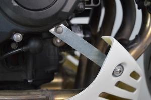 ukázaka upravená - UNI Montážní KIT Motoforza pro klíny pod motor vč. gumové průchodky a vložky