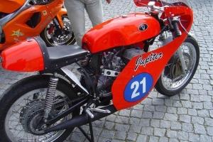 díly motoforza - IŽ 350 Jupiter 1967 Nádrž, sedlo, kapotáž, s originál zátkou dodanou zákazníkem