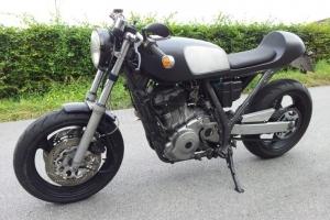 ukázka sedla na motocyklu Suzuki DR800