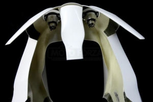 Triumph 675 Daytona  2006-2012  Vrchní díl racing - velký, GFK  - ukázka s instalací projektorů 2x50mm- typ RIGHT, LEFT
