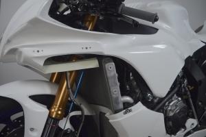 Přední kapotáž racing vč.instalace D ring šroubů - KONVERZE KIT R1 2020
