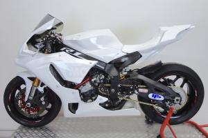 ukázka - Kryt nádrže Motoforza , GFK na motocyklu Yamaha YZF R1M 2015